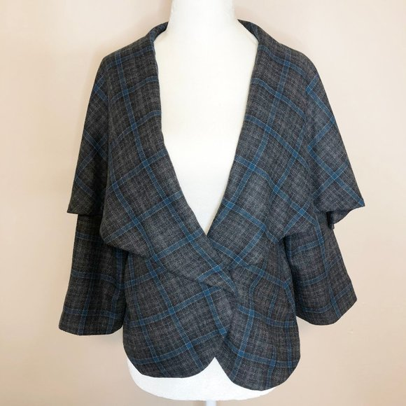 CAbi Jackets & Blazers - CAbi Caped Blazer 3/4 Sleeve Gray/Teal Plaid Sz 6